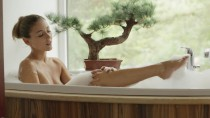 Ivy – Hot Bath For Two